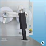 Надеть наконечник на шпильку ОПН и закрепить гайкой, после чего подвергнуть трубку термоусадке термопистолетом или газовой горелкой